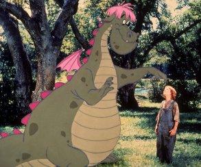 Невидимый дракон преследует ребенка в трейлере диснеевского хоррора