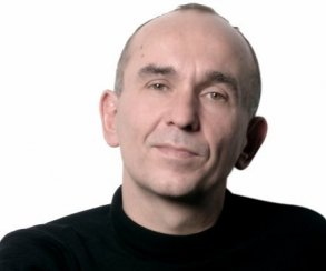 Обет молчания: Питер Молинье объявил об уходе в тень