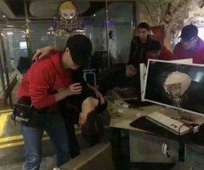 Игрок вLeague ofLegends пробил головой монитор из-за проигрыша