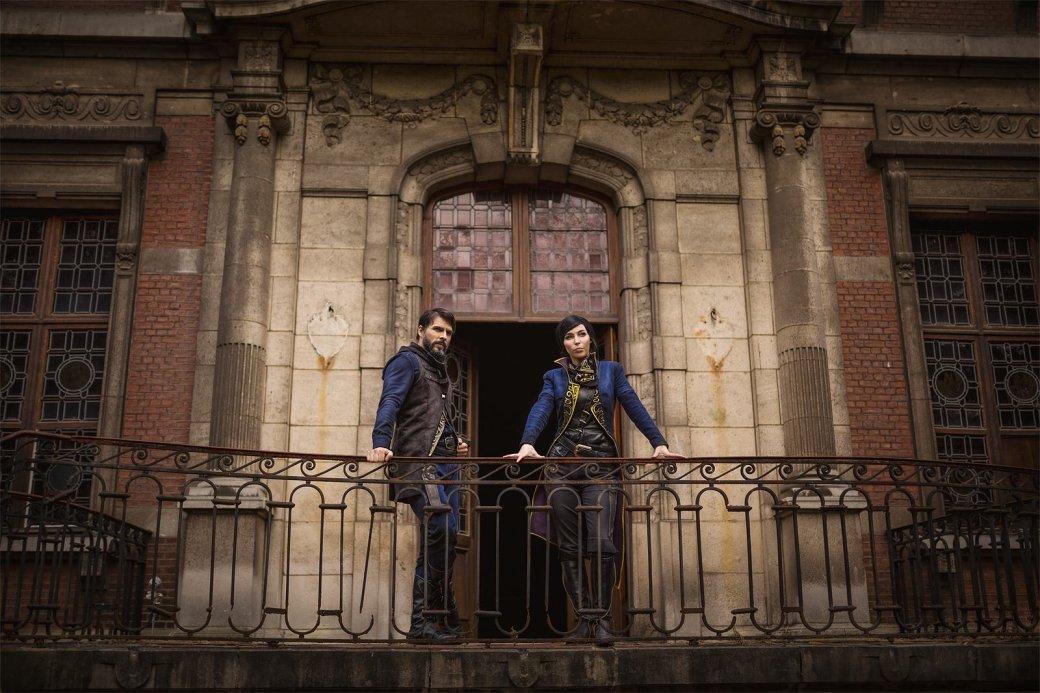 Косплей дня: Корво Аттано и Эмили Колдуин из Dishonored 2 - Изображение 9