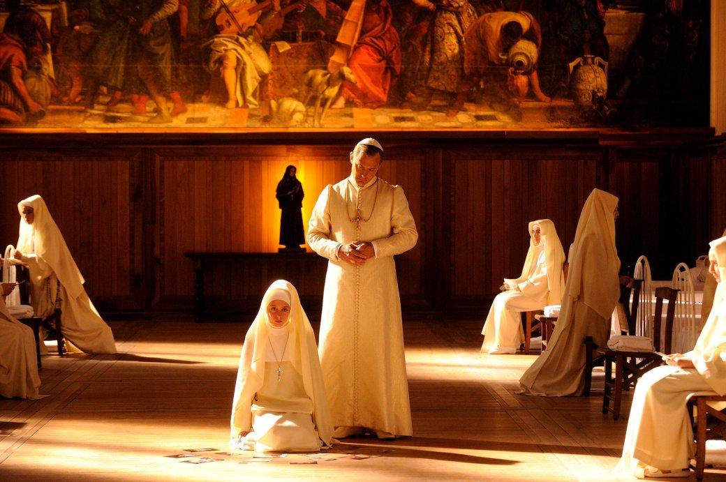 Рецензия на «Молодого Папу» - Изображение 28