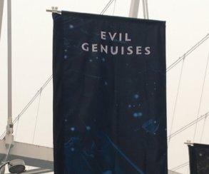 TI8 по Dota 2. Фото дня, 20 августа. На «Роджерс-арене» повесили баннер Evil Geniuses с ошибкой