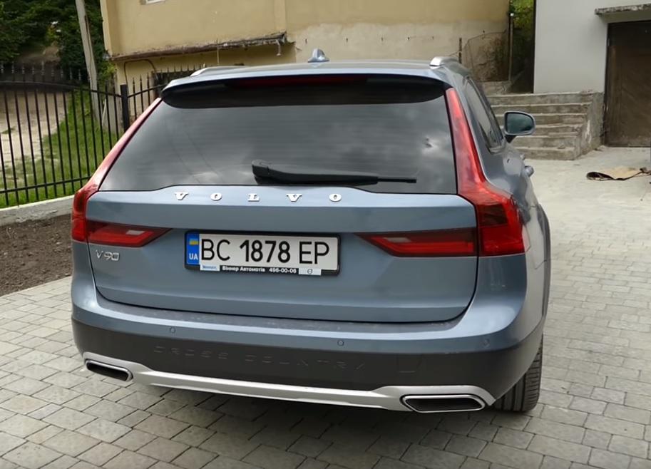 Porsche Panamera GTS, Mercedes-Benz E-Class, BMW i8. На каких тачках ездят известные киберспортсмены. - Изображение 9