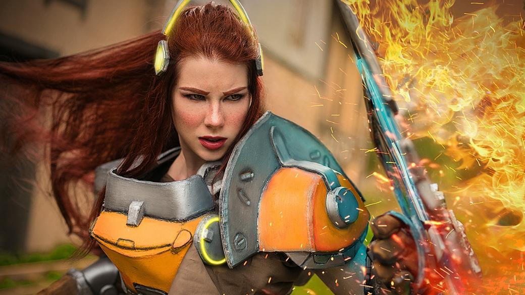 Анастасия Зеленова вновь предстала в образе Бригитты из Overwatch. На этот раз уже в броне! | Канобу - Изображение 5751