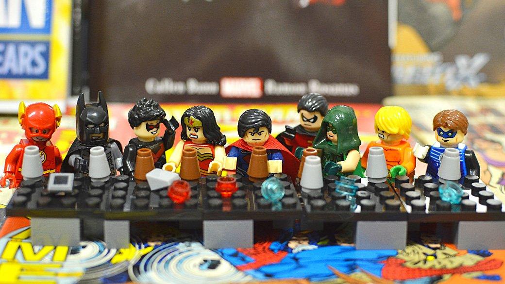 Топ-модель по-русски: «Канобу» устраивает фотосессию LEGO-супергероям | Канобу
