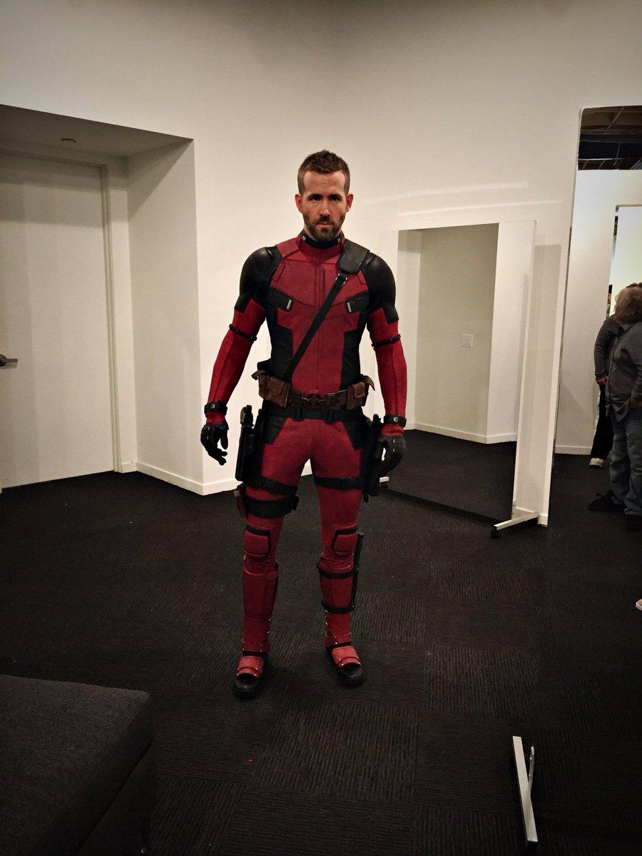 Райан Рейнольдс поделился фотографиями своей первой примерки костюма Дэдпула. - Изображение 1