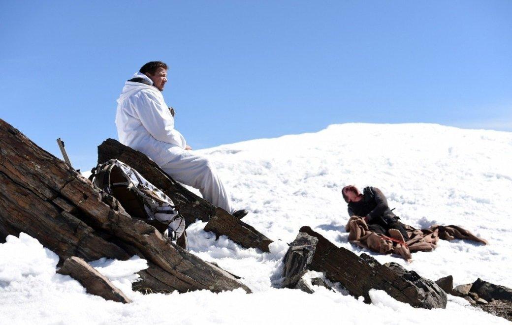 Убийца — снег. Рецензия на «Ветреную Реку» с Джереми Реннером | Канобу