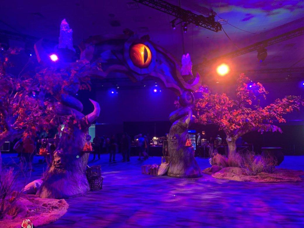 На BlizzCon в этом году развернулась настоящая Ярмарка Новолуния из World of Warcraft | Канобу - Изображение 12296
