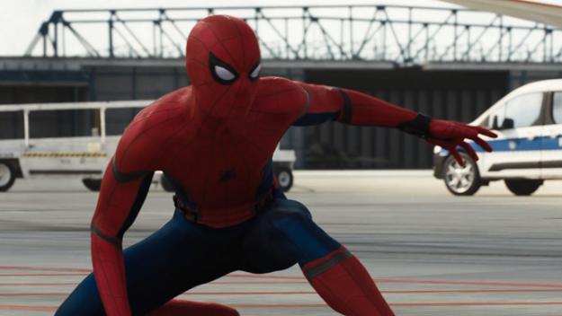 Новые кадры сосъемок фильма «Человек-паук: Вдали отдома». Похоже, камео вфильме будет много!. - Изображение 1
