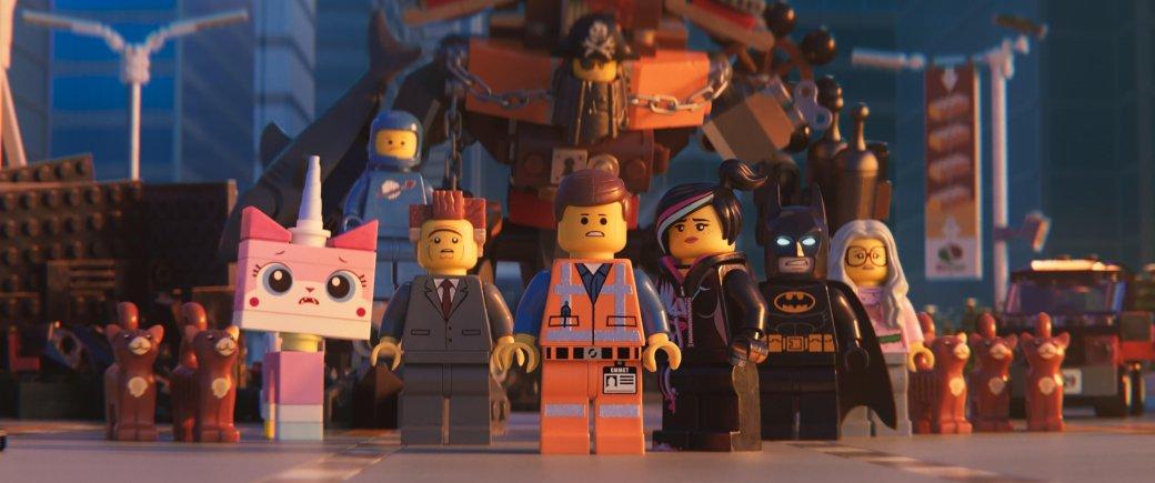 7февраля нанаши экраны вышел сиквел «Лего Фильма» сподзаголовком «Вторая часть». Если оригинальную картину Фил Лорд и КрисМиллер как писали, так иснимали, товпродолжении они уже заняты только как сценаристы, режиссировалже его Майк Митчелл, постановщик «Шрека навсегда» и«Губки Боба в3D».