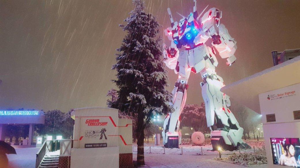 Такого выеще невидели! Японские гигантские боевые роботы вснегу. - Изображение 2